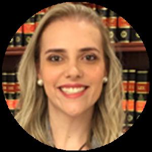 O comprimento da saia de uma advogada pode impedi-la de exercer sua profissão?