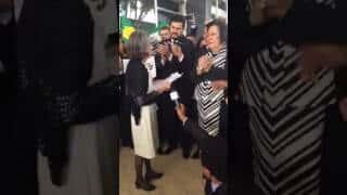 Ministra Cármen Lúcia recebe carta contra corrupção e impunidade