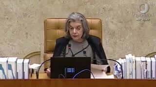 """""""Democracia não está em questão"""", diz Cármen Lúcia"""