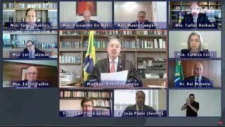 """""""Falta de compostura nos envergonha perante o mundo"""", diz Barroso em discurso sobre Bolsonaro"""