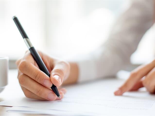 É válida procuração outorgada por analfabeta e assinada por testemunha