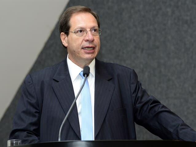 Ministro do STJ valida rescisão unilateral de plano de saúde coletivo