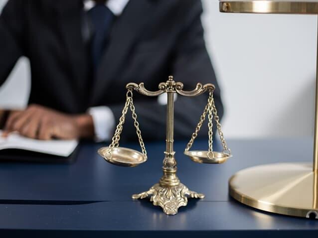 Juíza aplica redutor constitucional sobre auxílio invalidez de militar