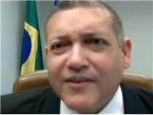 Nunes Marques suspende debate sobre ensino de gênero nas escolas