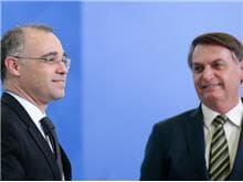 Bolsonaro confirma intenção de indicar André Mendonça ao STF