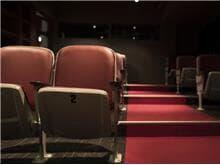 Justiça reconhece força maior em dispensa de funcionária de cinema