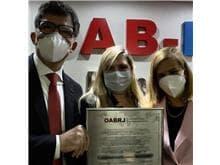 OAB/RJ recebe condecoração por Coordenação Estadual Brasil China