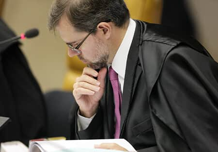 Novo pedido de vista suspende julgamento da lei da ficha limpa