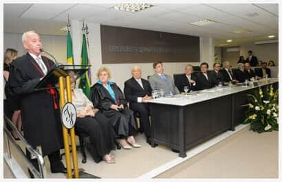 Desembargador José Arísio Lopes da Costa é empossado presidente do TJ/CE