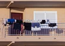Condomínios: o dever de indenizar decorrente da queda de objetos da fachada de edifício