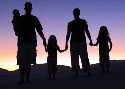Comissão da Câmara aprova definição de família como união entre homem e mulher