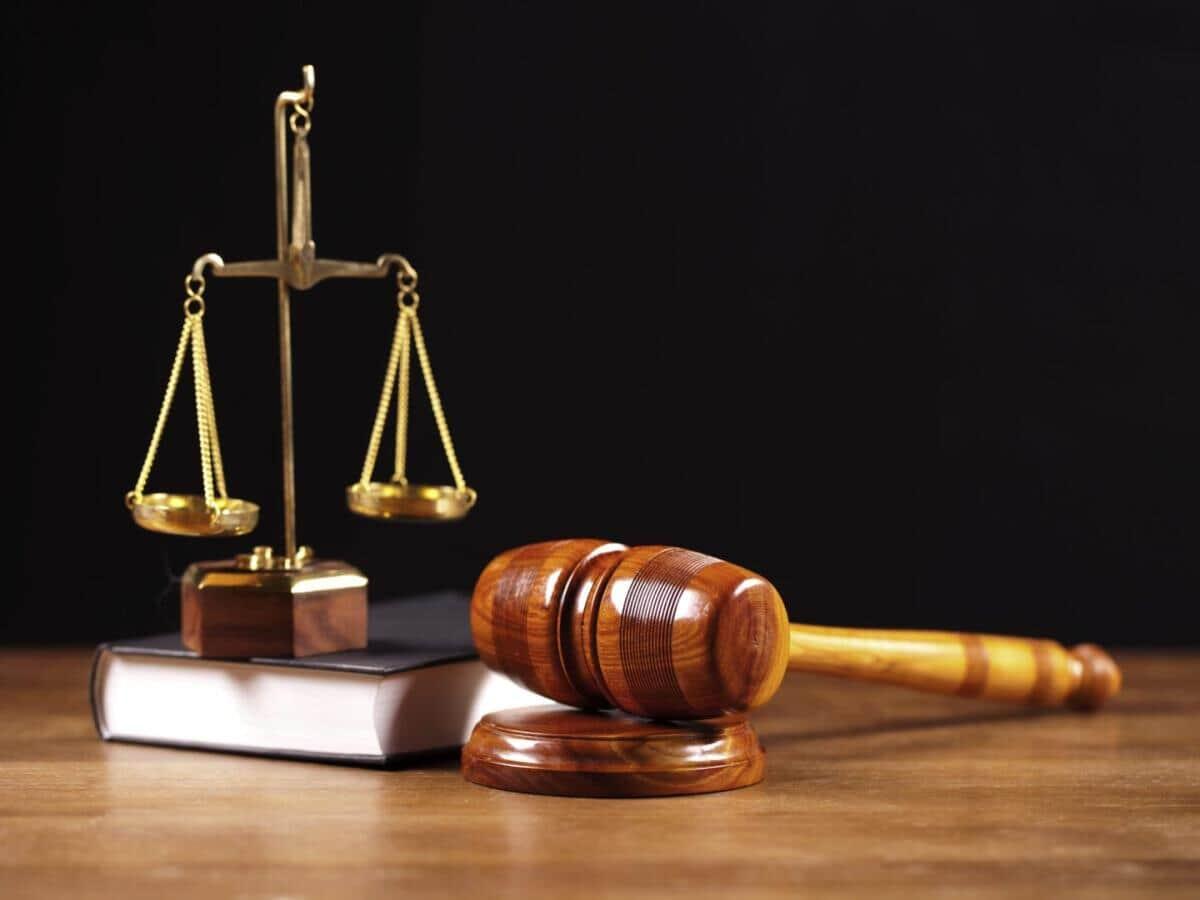 Impossibilidade de suspensão do feito contra a parte devedora originária em virtude do pedido de desconsideração da personalidade jurídica formulado no processo executivo