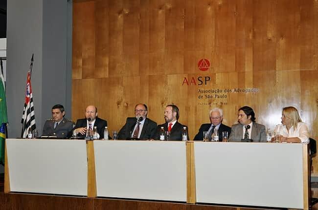 Ações na cracolândia foram tema de debate na AASP