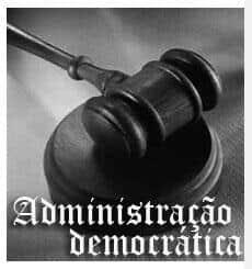 Administração democrática