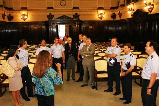 Integrantes da Força Aérea Brasileira visitam TJ/SP