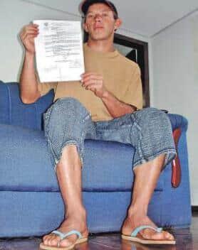 Juiz suspende audiência por causa de chinelo