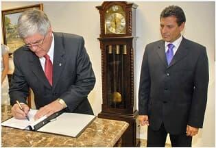Presidente Miguel Kfouri Neto empossa os novos diretores do TJ/PR