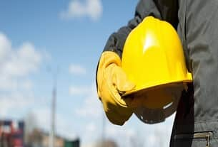 A terceirização das atividades de segurança e saúde no trabalho
