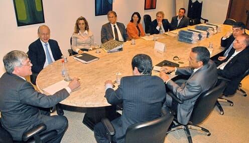 TJ/PR - Desembargador Miguel Kfouri Neto reúne-se com membros da SEFA e da PGE