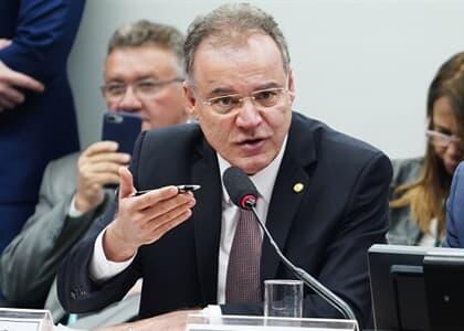 Câmara: Relator da reforma da Previdência propõe mudanças em texto enviado pelo governo