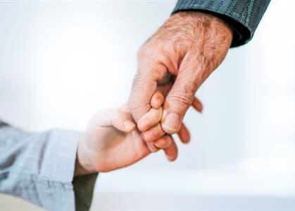 Justiça permite troca de sobrenome de crianças para homenagear avô