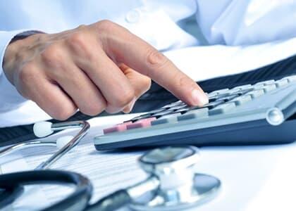 É lícito reajustar plano de saúde coletivo acima de índice da ANS diante de desequilíbrio atuarial
