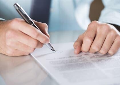 Banco pode encerrar unilateralmente contas de empresa investigada na Lava Jato
