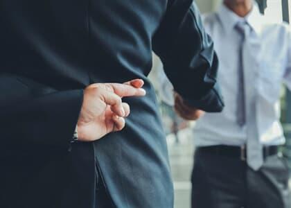Cliente e advogada são condenados em má-fé por questionar dívida verdadeira