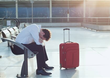 STJ: Dano moral por atraso de voo exige prova de fato extraordinário