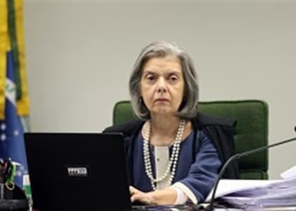 Ministra Cármen manda TRF-4 libertar presos somente por condenação em 2ª instância