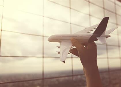 Companhia aérea consegue reduzir indenização por atraso em voo internacional