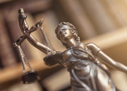 Autor e advogado que questionaram débito existente são condenados por má-fé