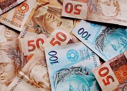 Empresa poderá parcelar mais de R$ 150 mil de IR e INSS de reclamante
