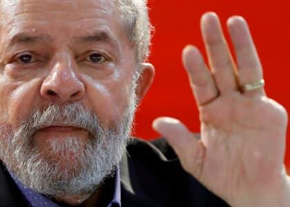 Lula tem transferência autorizada para São Paulo