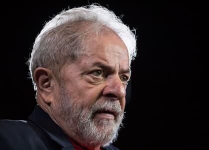 Procuradores da Lava Jato pedem que Lula vá para regime semiaberto