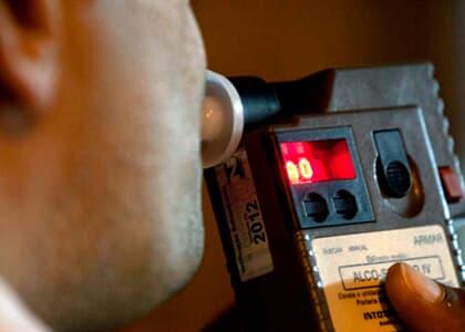 Folião embriagado flagrado ao volante faz acordo de não persecução penal