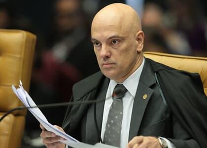 Moraes ordena buscas em inquérito sobre fake news contra o STF