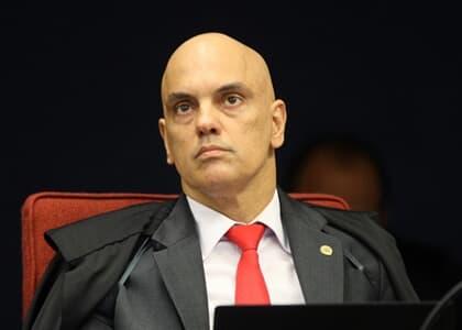 Moraes manda Crusoé e O Antagonista retirarem do ar reportagem que cita Toffoli
