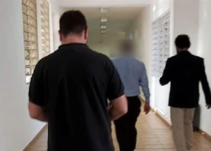Advogado é preso suspeito de extorsão para não revelar traição, mas tem prisão relaxada