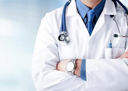 Universidade deve reservar vaga de medicina para aluno de ensino médio