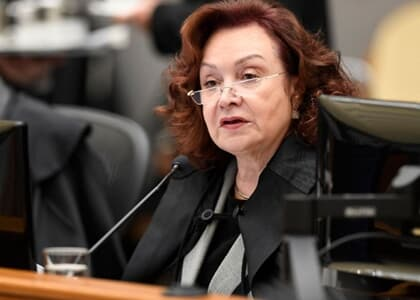 Nancy condena empresa de ônibus por assédio sexual de terceiro; Buzzi pede vista