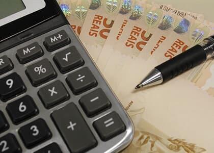 TJ/MG majora indenização após descontos em poupança por contrato já anulado