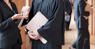 Dress Code: 90% dos juízes concordam que vestimenta adequada garante respeito
