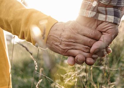 Companheira consegue pensão por morte após provar união estável