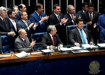 Senado aprova texto-base da reforma da Previdência em 2º turno