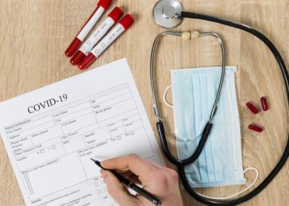 Enfermeira demitida após afastamento por covid-19 deverá ser reintegrada