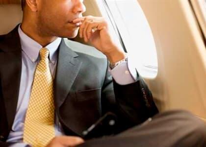 Passageiro será indenizado por sofrer racismo em avião