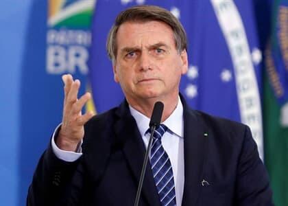 Bolsonaro inclui atividades religiosas em lista de serviços essenciais