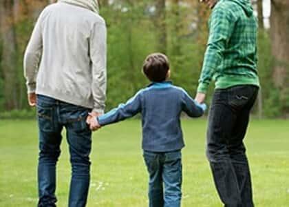 Adoção por casal homoafetivo